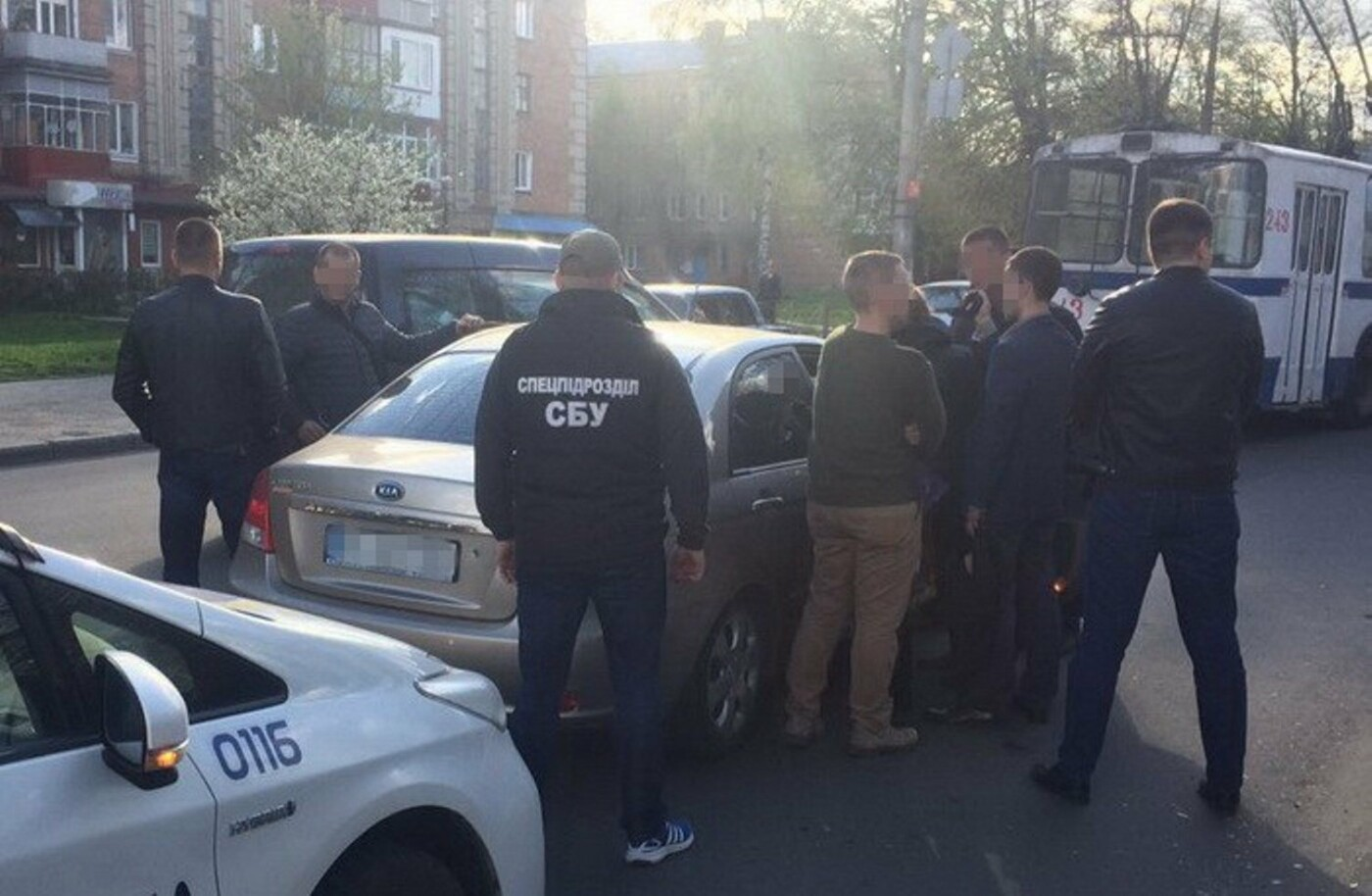 «Допомагали відкосити від армії»: хмельницьких поліцейських спіймали на хабарі, фото-3
