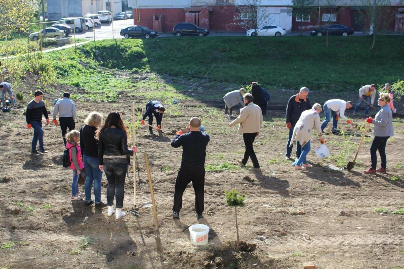 У Хмельницькому в День довкілля висаджено сто п'ятдесят дерев, фото-3