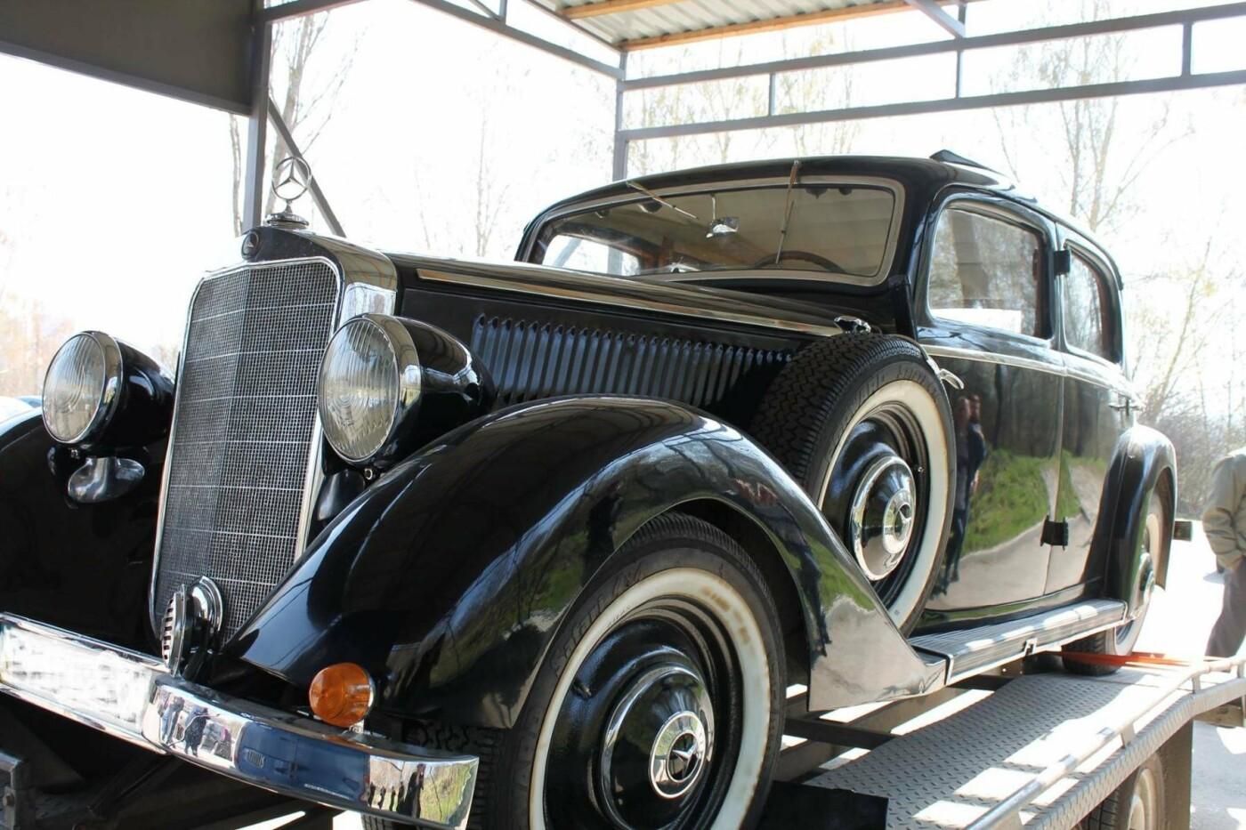 «Автомобіль Папи Римського та президента рейху»: по Хмельницькому роз'їжджає унікальний «Mercedes». ФОТО, фото-1
