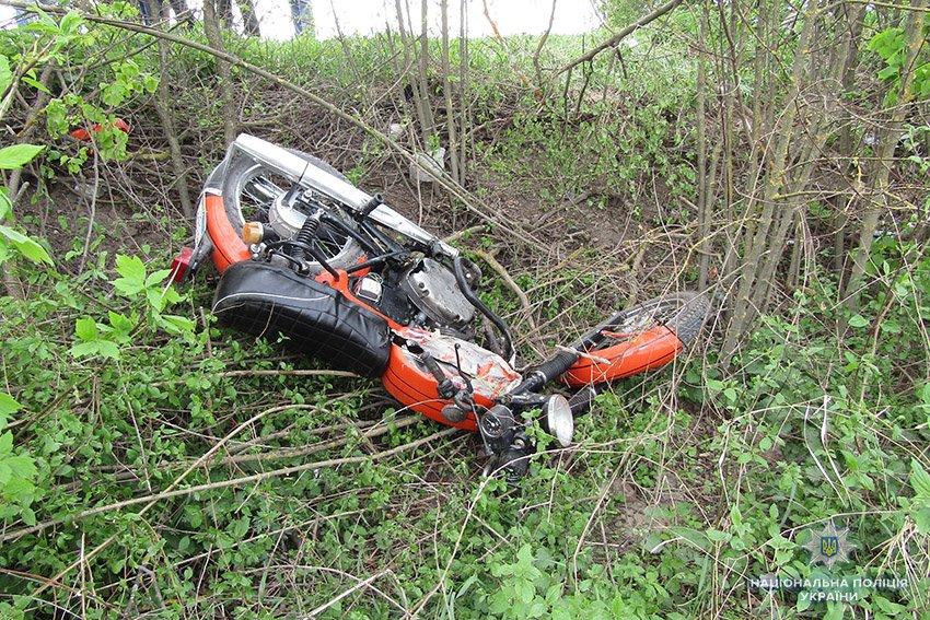 На Хмельниччині водій «Рено Кенго» смертельно травмував мотоцикліста, фото-2