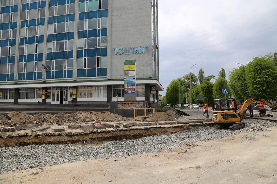 У Хмельницькому оновлюють площу перед залізничним вокзалом, фото-5
