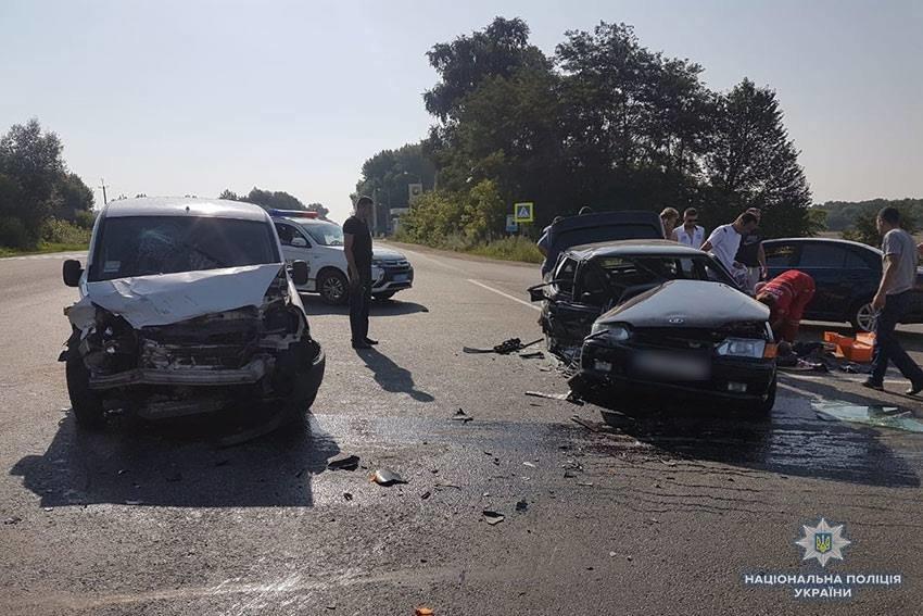 У Хмельницькому районі в результаті ДТП постраждало троє людей, фото-1