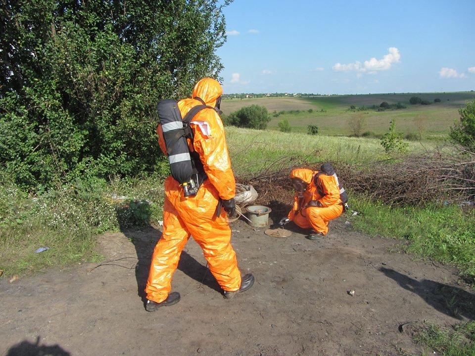 На околицях Хмельницького знайшли радіоактивний контейнер. ФОТО, фото-2