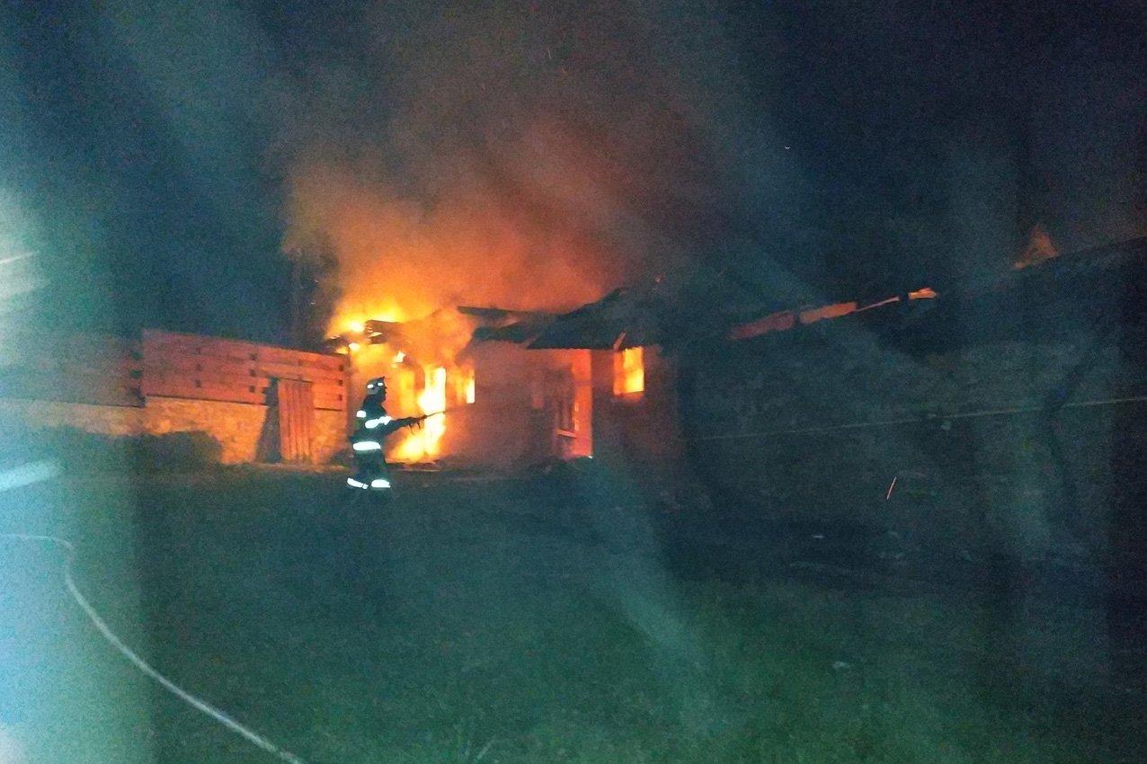 На Хмельниччині надзвичайники попередили пожежу готельного комплексу. ВІДЕО, фото-4