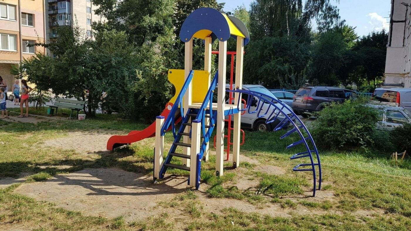 У  хмельницьких дворах активно з'являються дитячі та спортивні майданчики, фото-8