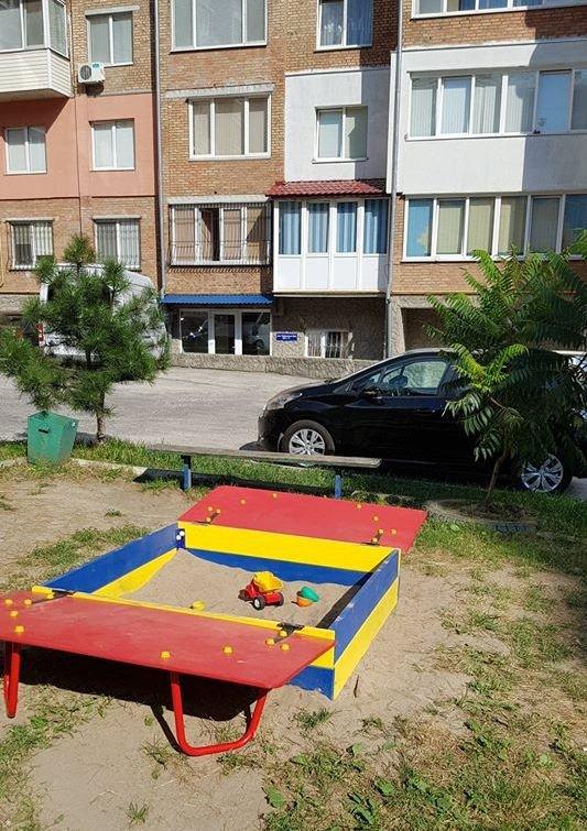 У  хмельницьких дворах активно з'являються дитячі та спортивні майданчики, фото-3