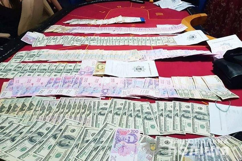 На Хмельниччині поліцейські викрили підпільне казино. ФОТО, фото-3