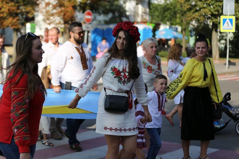 Хмельничани традиційно відзначили День Незалежності України парадом вишиванок. ВІДЕО, фото-6