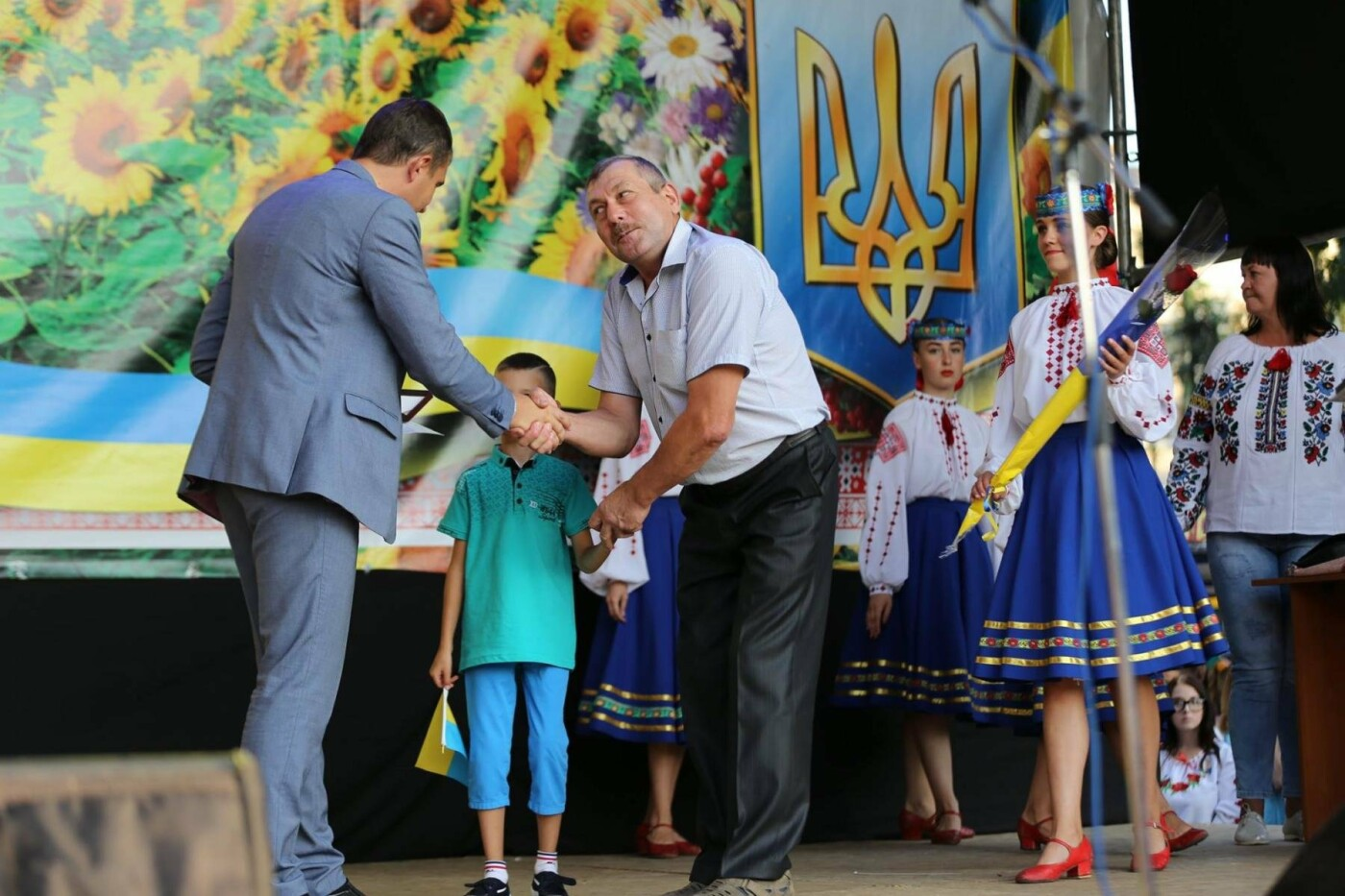 Родини захисників України та працівники комунальної сфери міста Хмельницького отримали нове житло, фото-9
