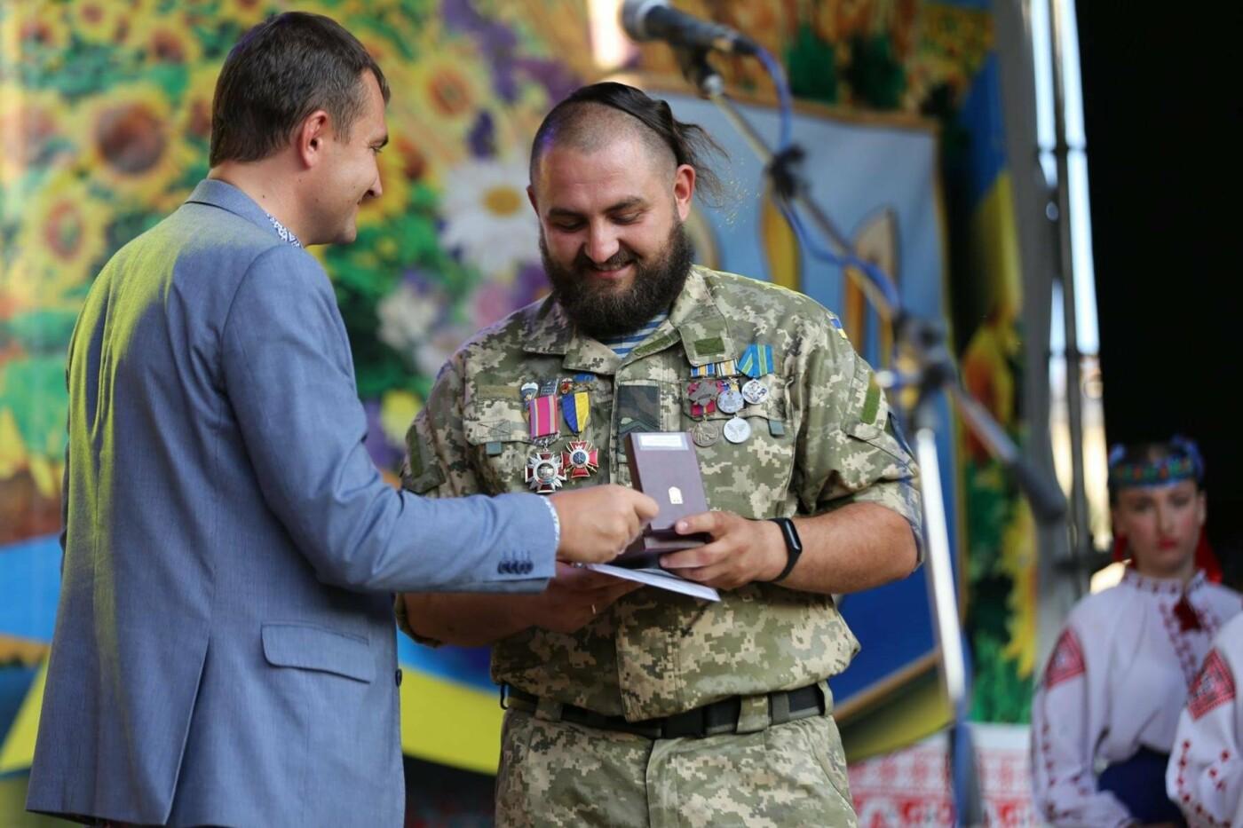 Родини захисників України та працівники комунальної сфери міста Хмельницького отримали нове житло, фото-7