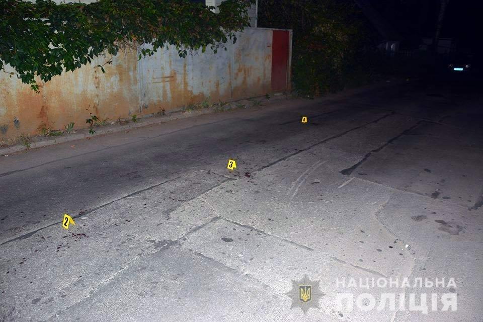 Напад із ножем у Хмельницькому: Двоє чоловіків у реанімації, фото-1