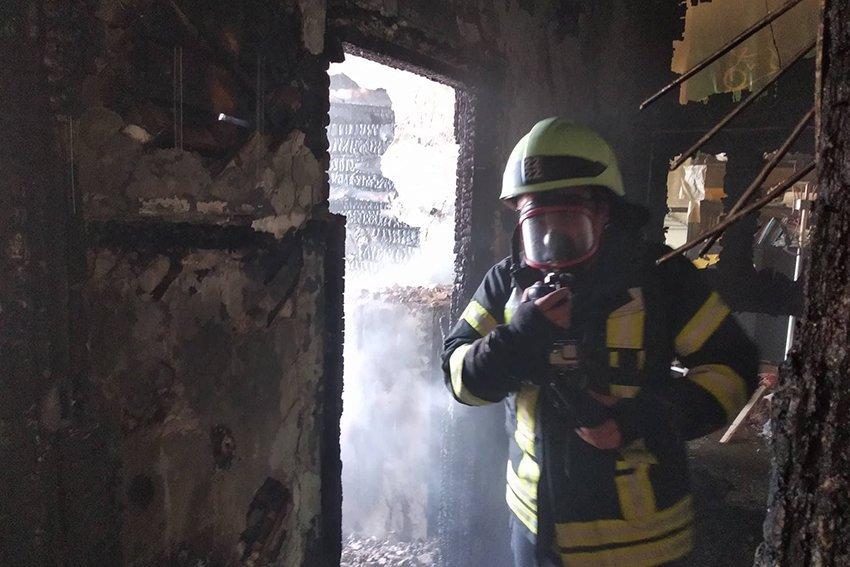 500 людей евакуювали:  У Хмельницькому надзвичайники ліквідували пожежу в школі. ФОТО. ВІДЕО, фото-4
