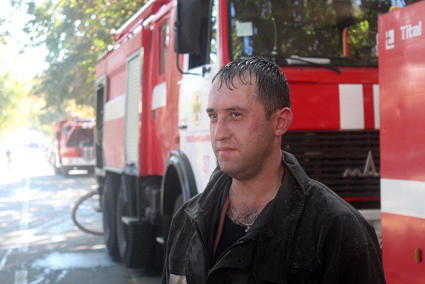 500 людей евакуювали:  У Хмельницькому надзвичайники ліквідували пожежу в школі. ФОТО. ВІДЕО, фото-6