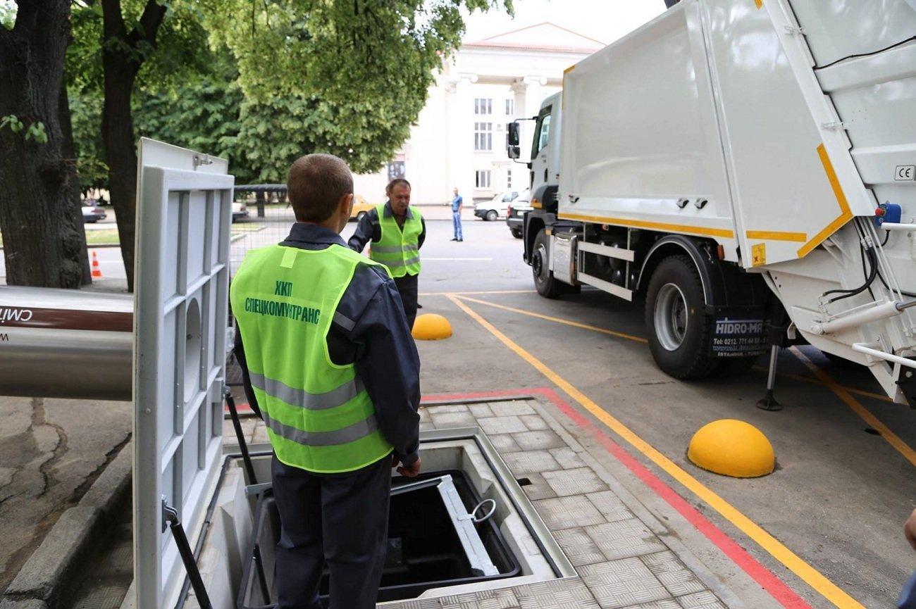 У Хмельницькому з'явились ще два підземних контейнери для сміття, фото-1
