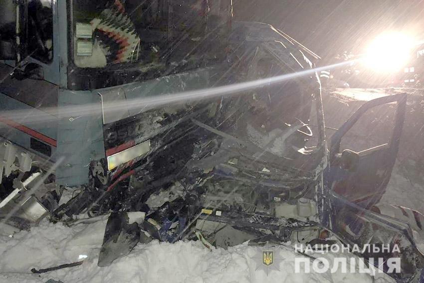 В ДТП за участі вантажівки на Хмельниччині загинули двоє людей, фото-2