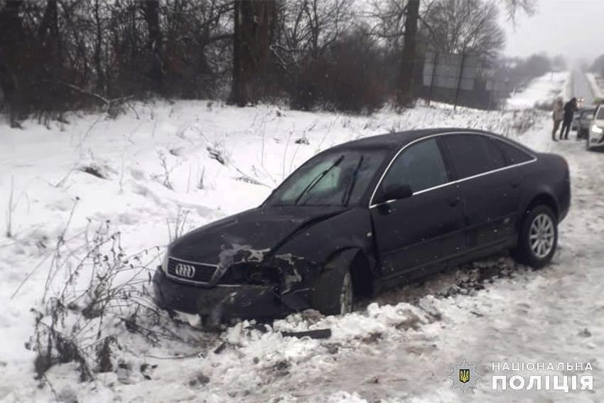 В ДТП на Хмельниччині  травмувались 4 людей, серед постраждалих — 2-річна дівчинка. ФОТО, фото-1