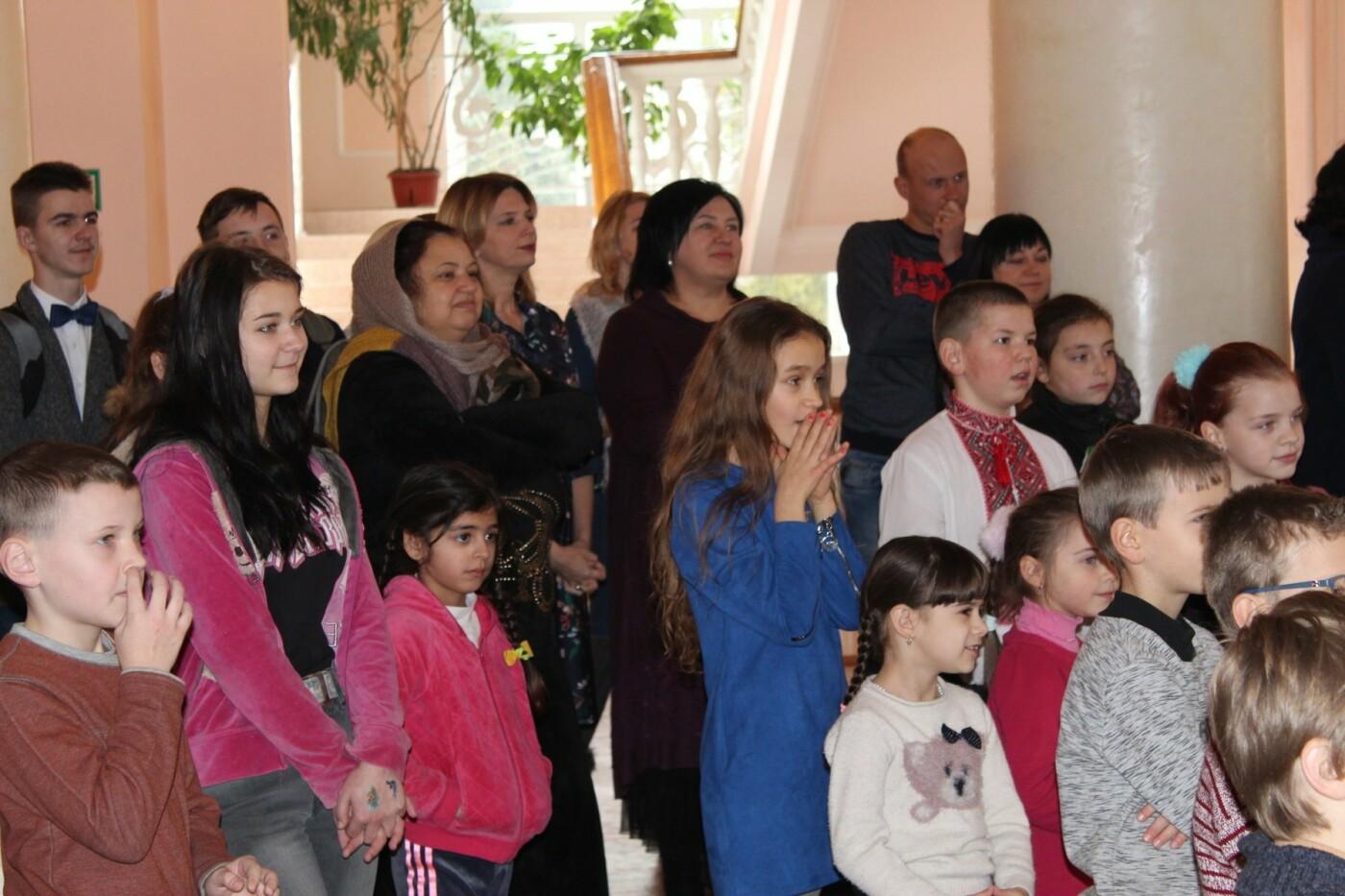 Новорічними вогниками засяяла головна ялинка Хмельниччини, фото-16