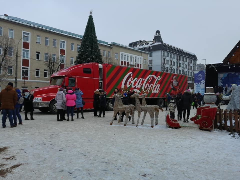 """У Хмельницький приїхала вантажівка """"Coca-Cola"""". Можете іще встигнути, щоб побачити ФОТО, ВІДЕО, фото-2"""