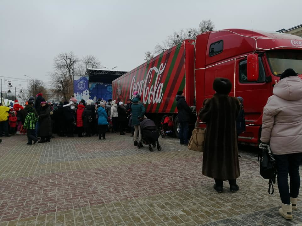 """У Хмельницький приїхала вантажівка """"Coca-Cola"""". Можете іще встигнути, щоб побачити ФОТО, ВІДЕО, фото-3"""