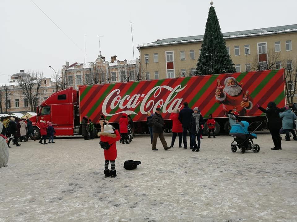 """У Хмельницький приїхала вантажівка """"Coca-Cola"""". Можете іще встигнути, щоб побачити ФОТО, ВІДЕО, фото-4"""