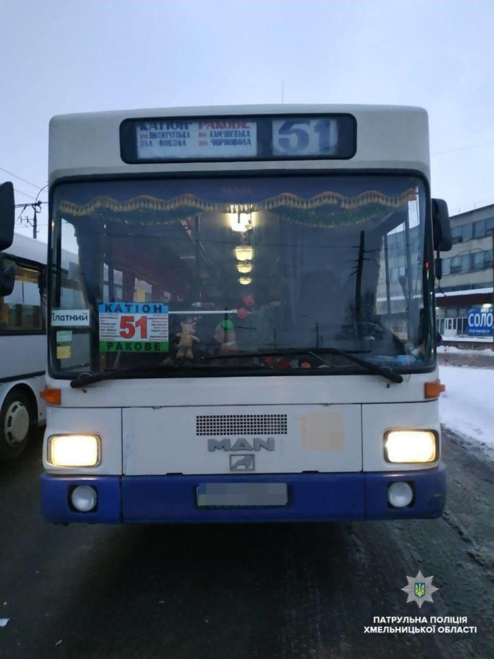Вулицями Хмельницького роз'їжджав нетверезий водій маршрутного автобуса, фото-1