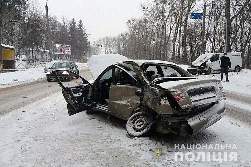 У ДТП в Хмельницькому постраждало двоє людей ДТП , фото-1