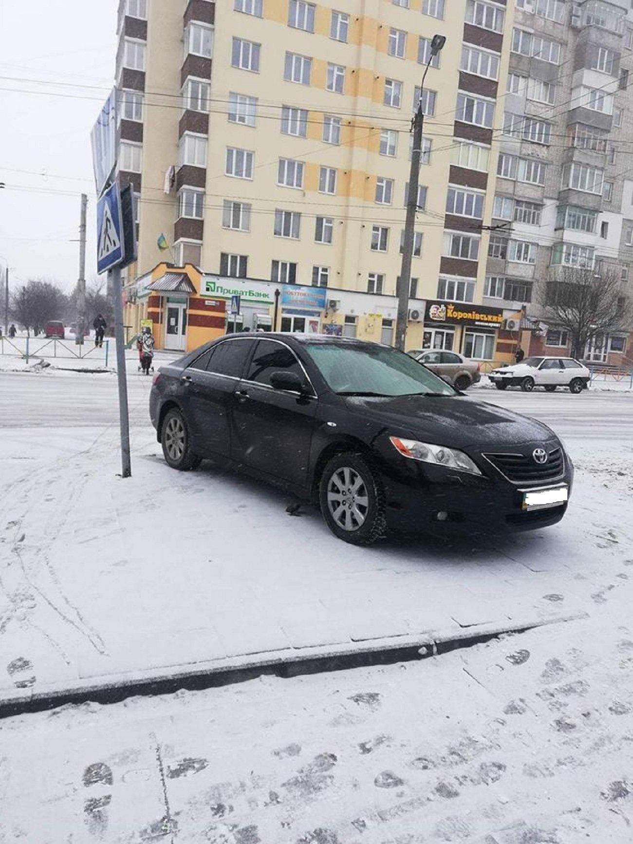 Автохам: підбірка фото хмельничан, що не вміють паркуватись, фото-7