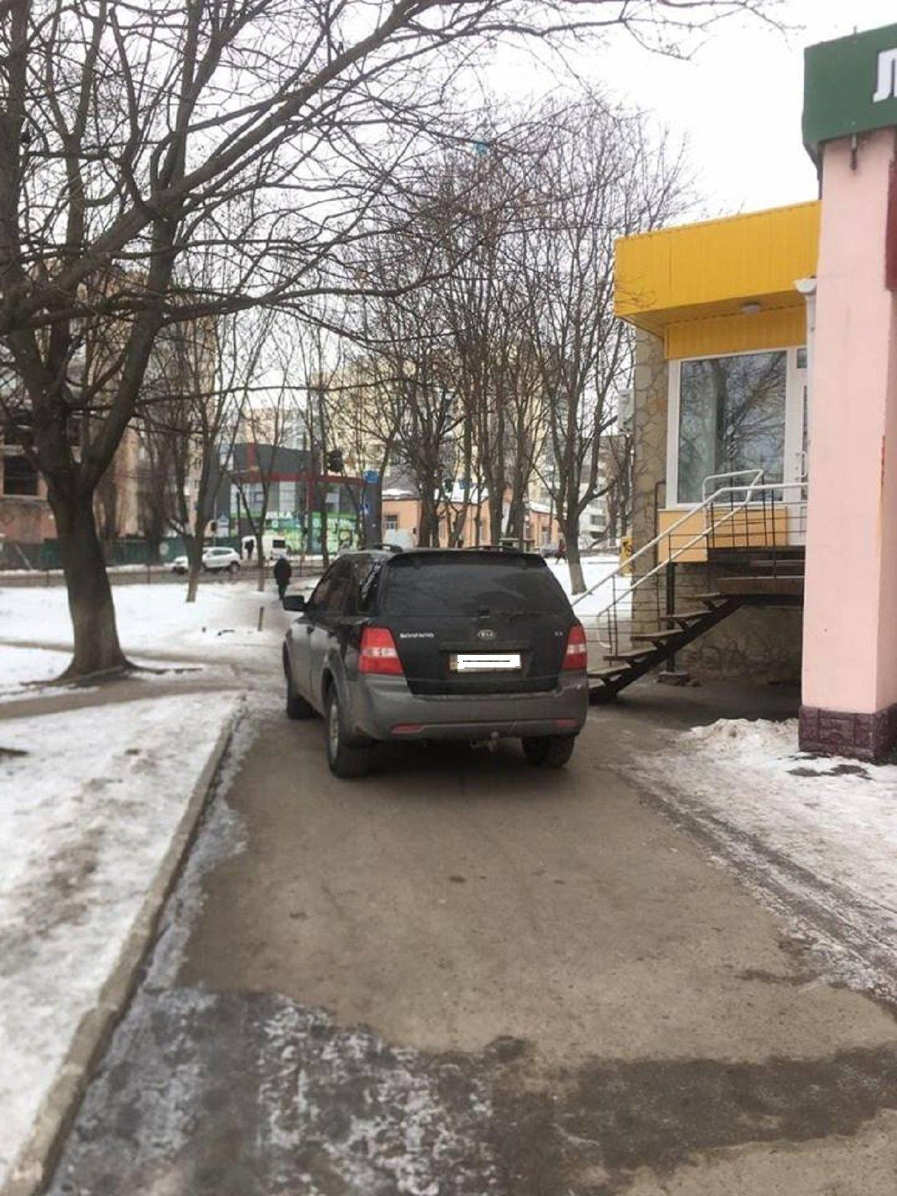 Автохам: підбірка фото хмельничан, що не вміють паркуватись, фото-6