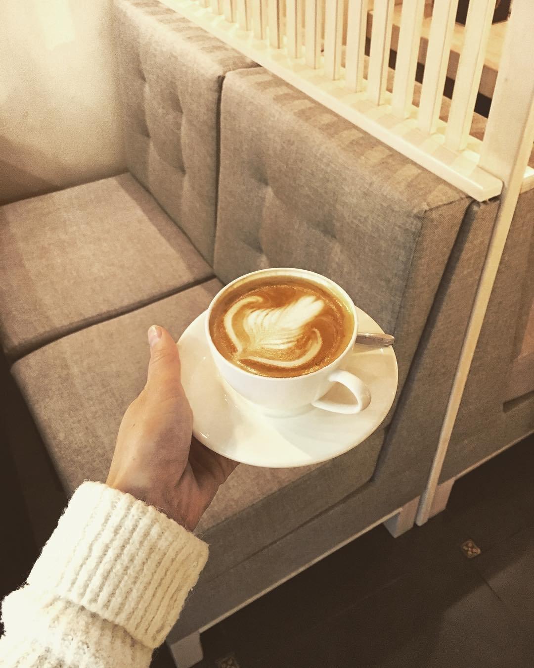 @kava.zerno каже, що кава - об'єднує серця