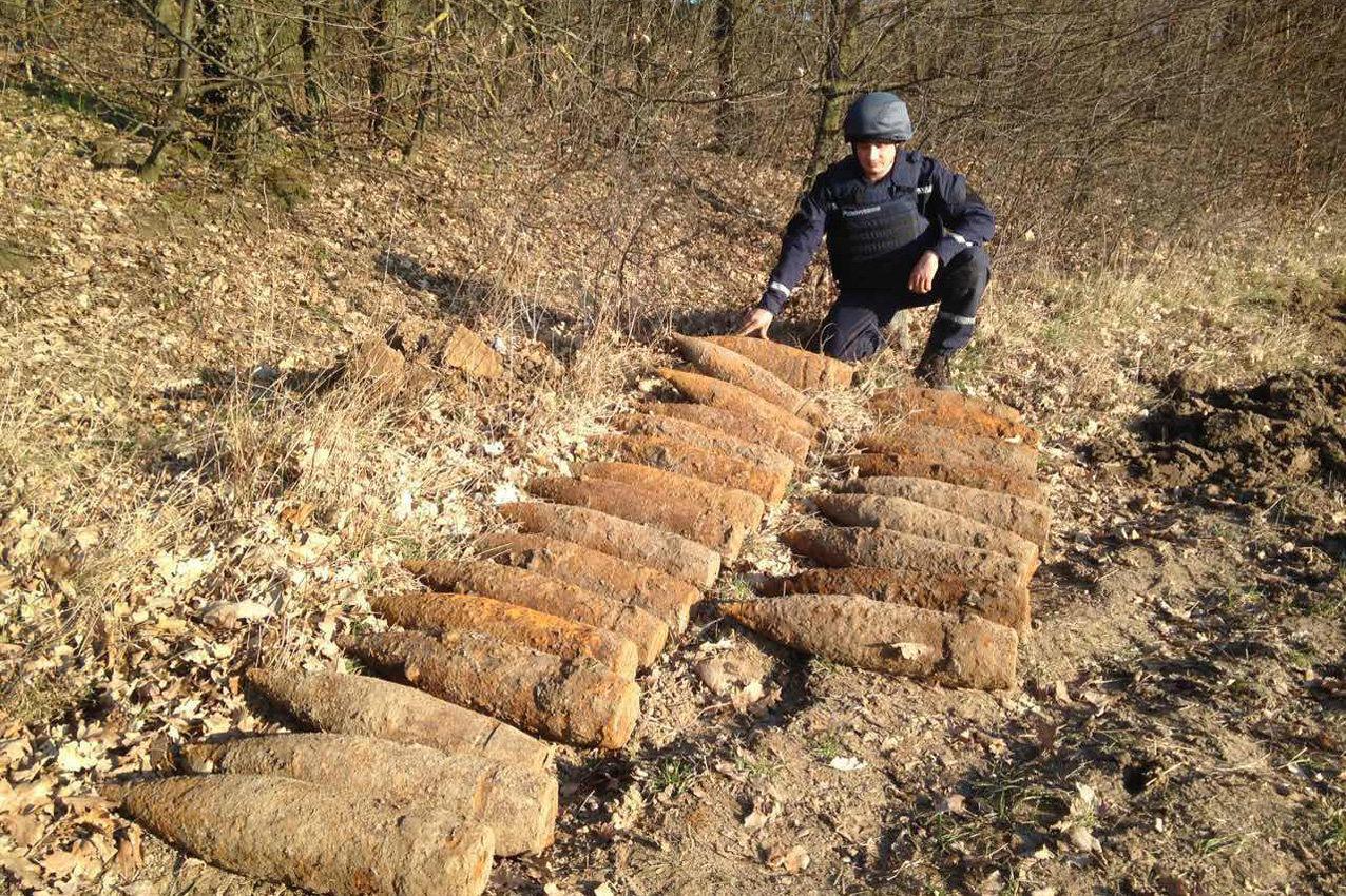 Піротехніки Хмельниччини знищили 27 артилерійських снарядів часів Другої світової війни, фото-2
