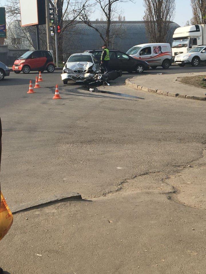У Хмельницькому мотоцикліст потрапив у лікарню після страшної ДТП (фото), фото-6