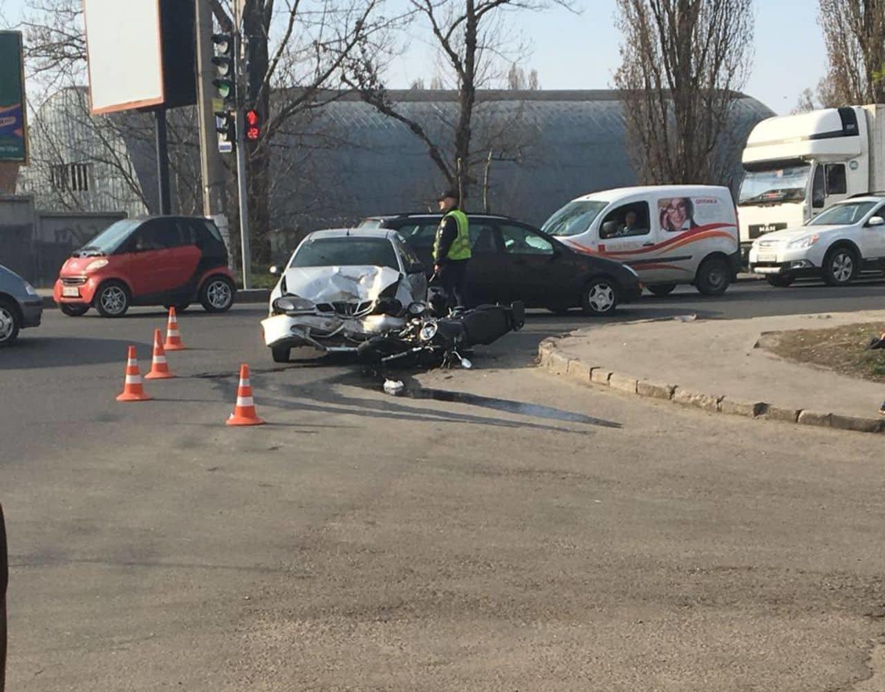 У Хмельницькому мотоцикліст потрапив у лікарню після страшної ДТП (фото), фото-5