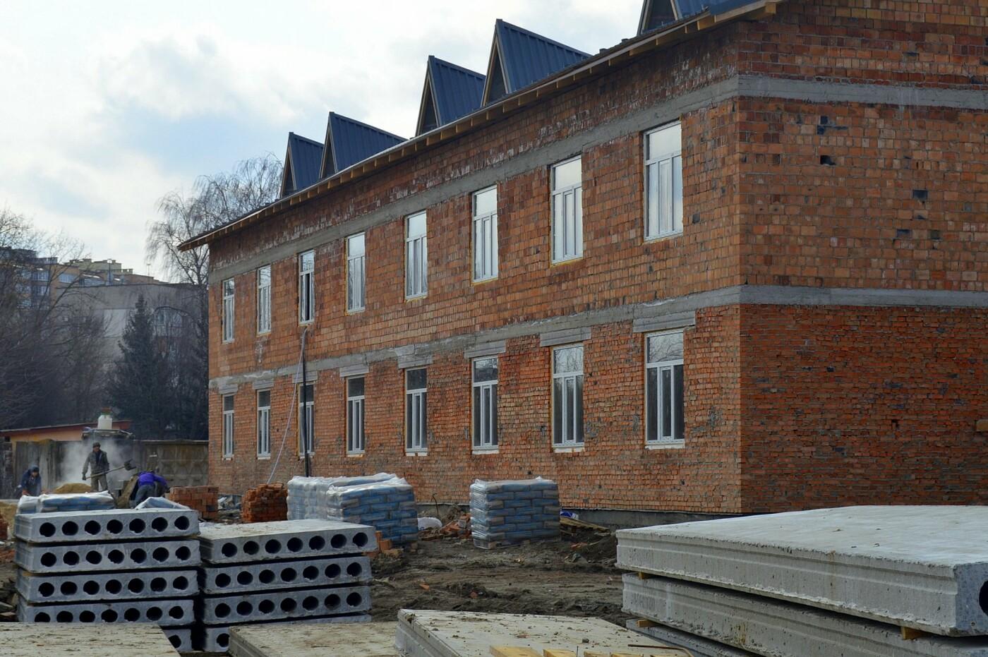 На Хмельниччині будують житлові комплекси для військовослужбовців-контрактників, фото-1