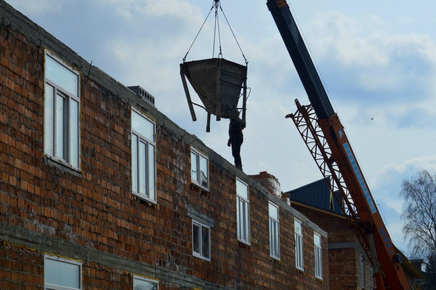 На Хмельниччині будують житлові комплекси для військовослужбовців-контрактників, фото-3