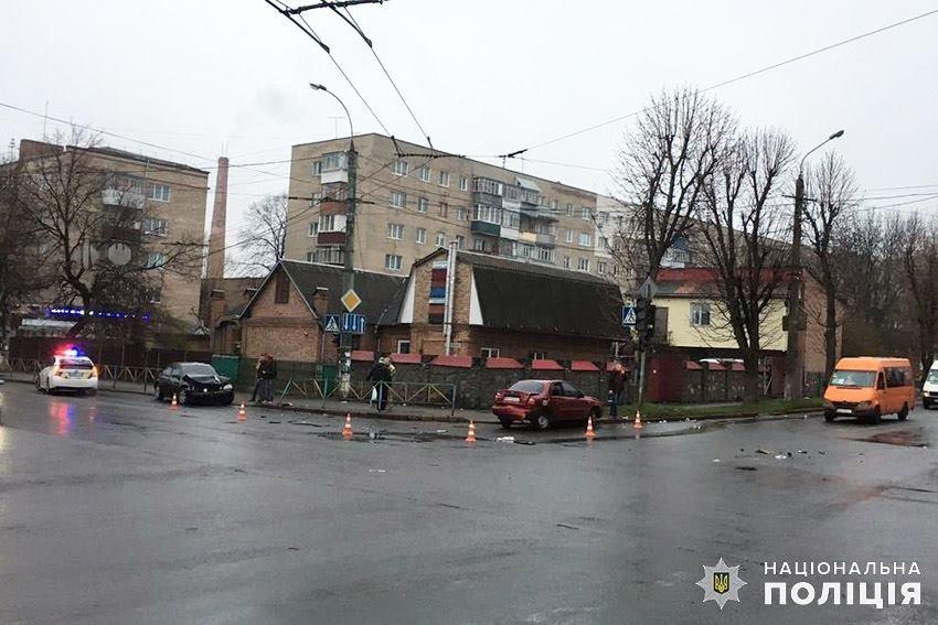 У Хмельницькому в ДТП постраждало 2 людей, фото-3
