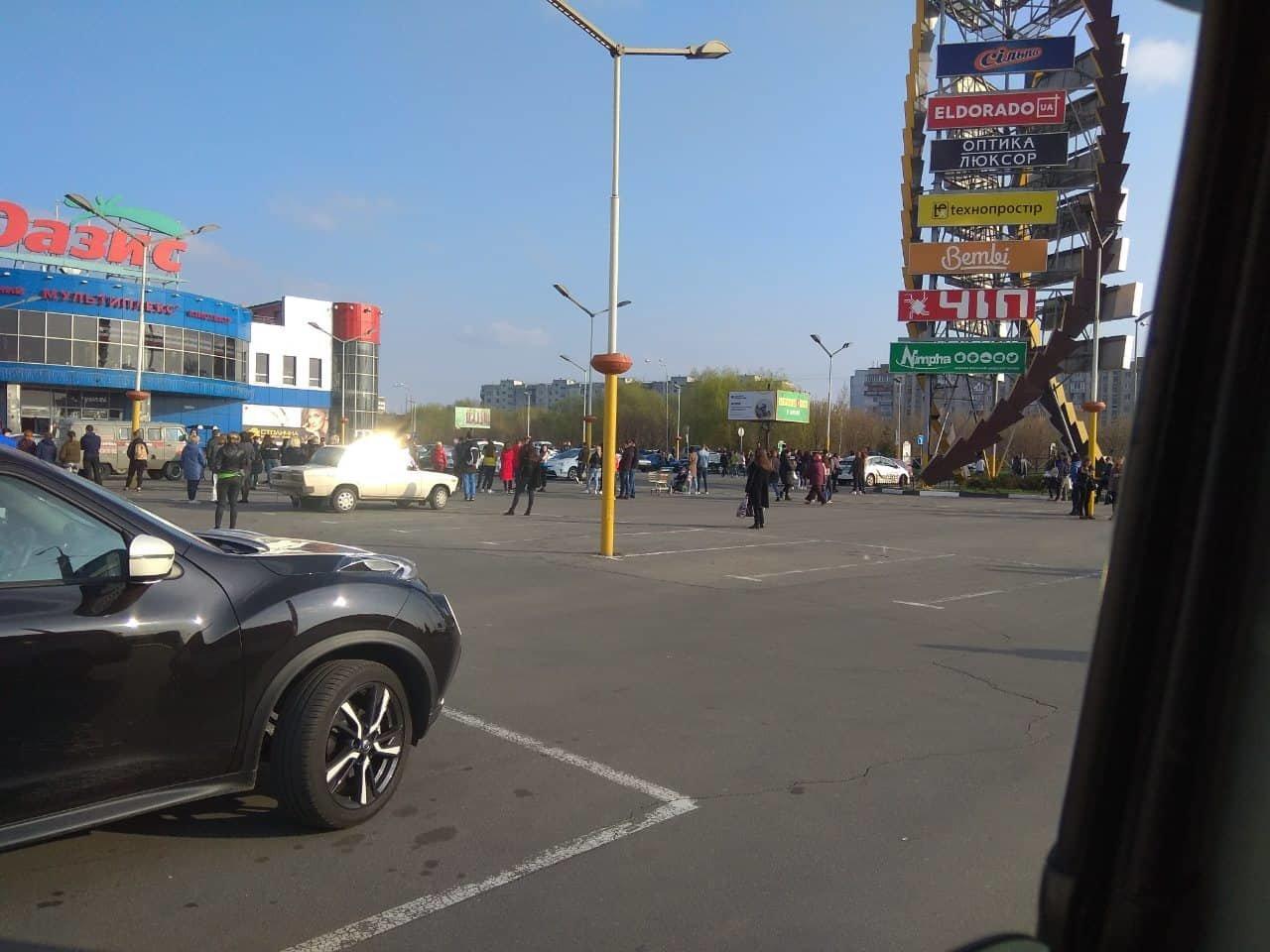 У Хмельницькому з торгівельних центрів євакуювали людей (фото), фото-4