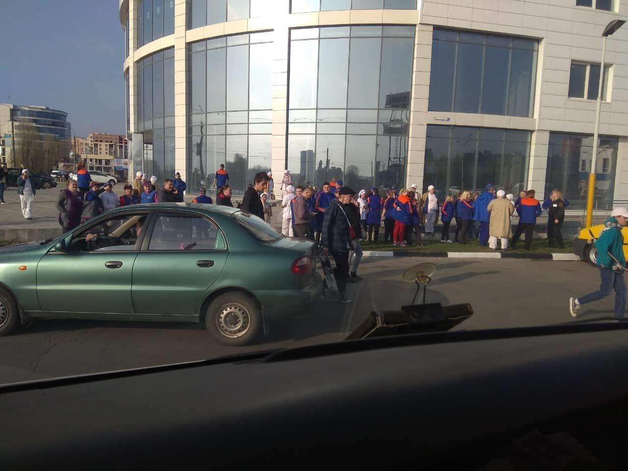 У Хмельницькому з торгівельних центрів євакуювали людей (фото), фото-3