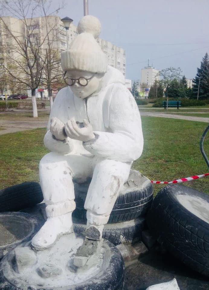 На Хмельниччині вандали пошкодили пам'ятник, ще до його відкриття, фото-1