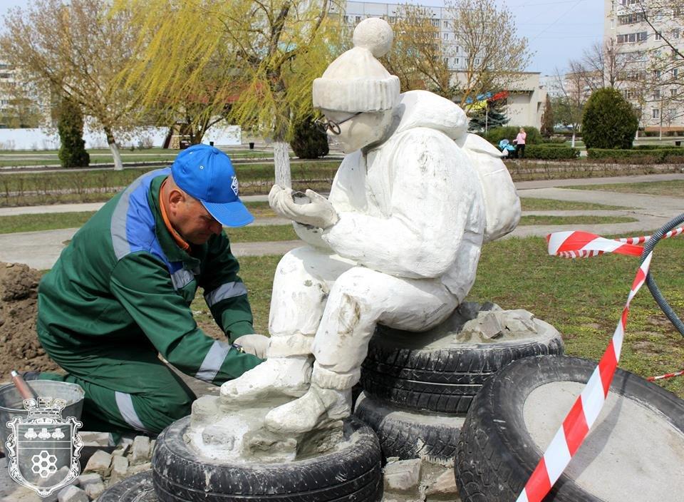 На Хмельниччині вандали пошкодили пам'ятник, ще до його відкриття, фото-2