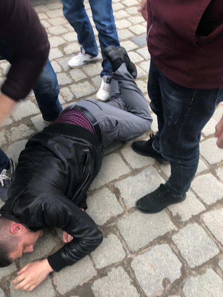 Правоохоронці з Хмельницького затримали державного ревізора-хабарника (фото), фото-1