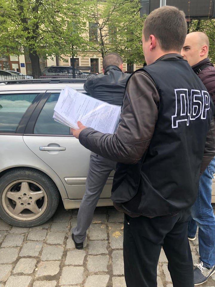 Правоохоронці з Хмельницького затримали державного ревізора-хабарника (фото), фото-4