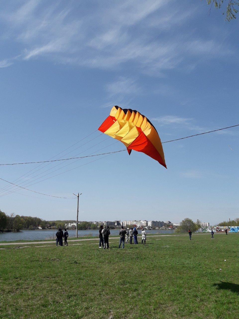 У Хмельницькому повітряні змії підкорювали небо (фото), фото-2