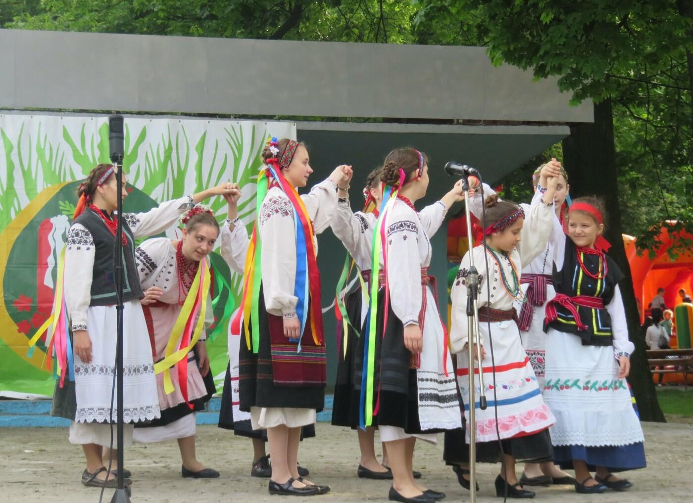 В центрі Хмельницького лунали гаївки (фото), фото-8