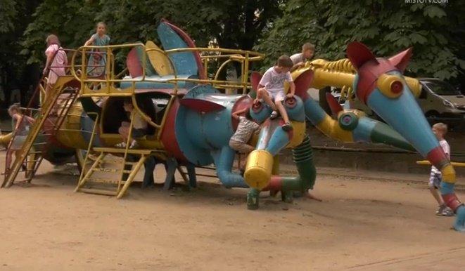 У Хмельницькому завершують реставрацію скульптур Миколи Мазура (фото, відео), фото-2