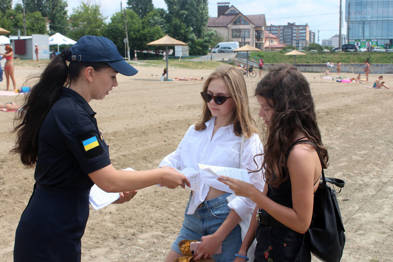 Напередодні свята Купала рятувальники Хмельниччини застерегли громадян від легковажності на воді, фото-1