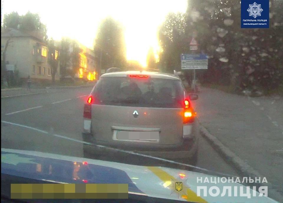 У Хмельницькому водій із 2,5 проміле алкоголю в крові намагався дати патрульним хабара, фото-1