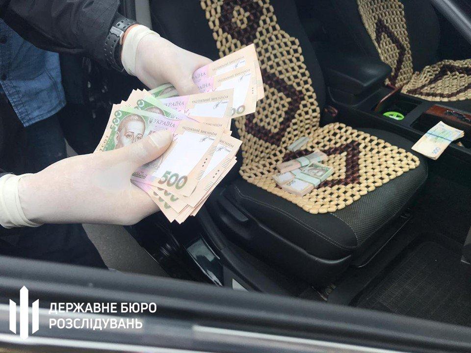 Хмельницькі правоохоронці викрили начальника відділу Нацполіції на хабарі, фото-4