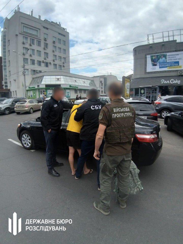 Хмельницькі правоохоронці викрили начальника відділу Нацполіції на хабарі, фото-1