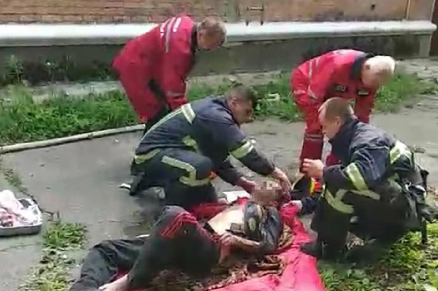 У Хмельницькому під час пожежі у квартирі постраждав чоловік, фото-1