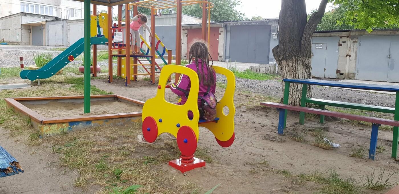 У Хмельницькому продовжують будувати дитячі майданчики (фото), фото-2